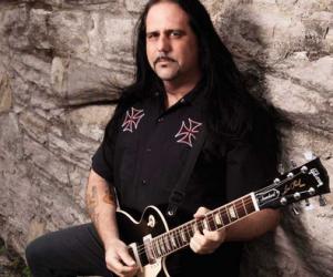 Ministry guitarist Mike Scaccia Dead