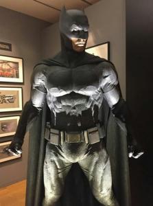 """<img src=""""batman-suit-dawn-of-justice"""" title=""""batman suit dawn of justice>"""